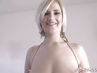 blowjob blonde babe